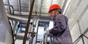 深度贯彻培训服务体系 中正锅炉现场引导蒸汽锅炉水位计冲洗