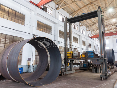 亚博app下载安装锅炉生产工艺之锅筒组对作业区